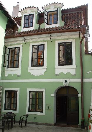 Hotel pension dientzenhofer prague hotels pension for Malostranska residence tripadvisor